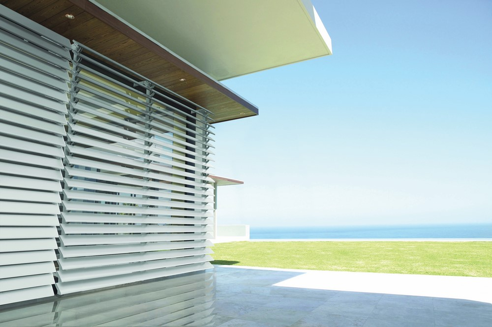 LUXAFLEX® Adjustable Metal Louvre Awnings